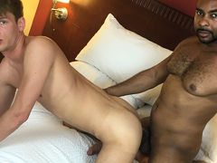 Ray Diesel & Zack Grayson BAREBACK in Houston
