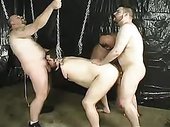 Fat gays fuck each other in gangbang